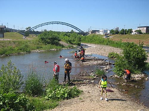 水辺の楽校(漁川)へ |札幌開発...